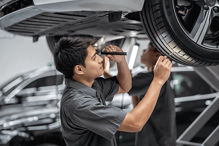 12 Reasons to Become an Automotive Mechanic - Florida Career College